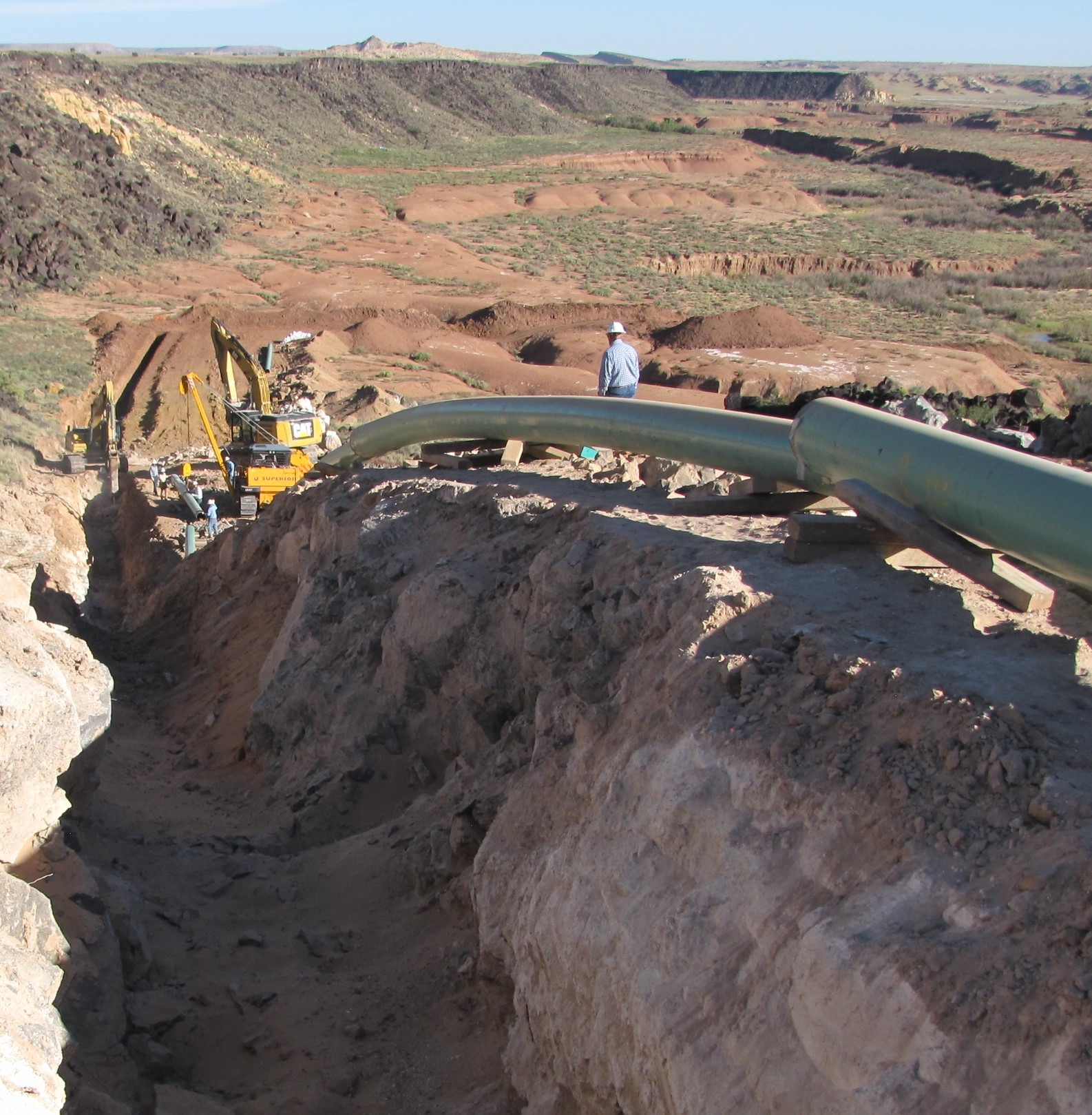 Rio Puerco dig and large pipe.